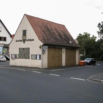 """Das ehemalige """"Feuerlösch-Gerätehaus"""" aus dem Jahr 1930 im Altort von Lengfeld."""