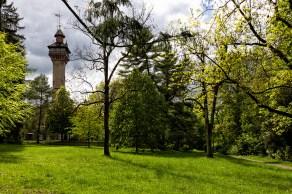 Der höchste Punkt über Würzburg ist die Frankenwarte auf 359m über Null.