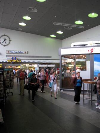 Die Bahnhofshalle.
