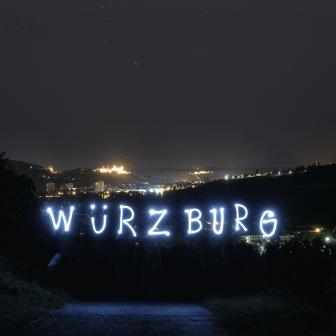 """Würzburg als """"Lichtmalerei""""."""