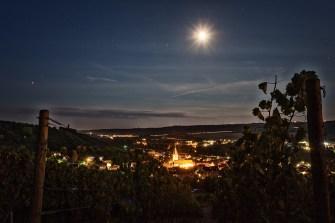 Nachts wenn alles schläft, hoch über Randersacker in den Weinbergen.