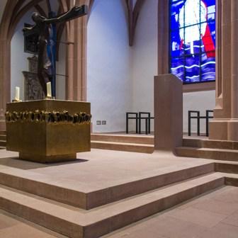 Sepulturkapelle mit Fensterzyklus von Georg Meistermann