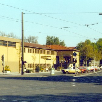 "Das ""Hallenbad Sanderau"" in unmittelbarer Nähe vom Sanderring."
