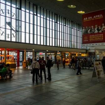 """Die """"neue"""" Bahnhofshalle nimmt langsam aber sicher ihre endgültige Gestaltung an und wirkt ansehnlicher und einladender als alles was zuvor einmal war."""