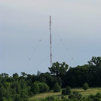 Der ehemalige Sendemast des AFN für die Übertragung der Rundfunkprogramme. Der Sendebetrieb wurde ohne große Vorankündigung am 01. Juli 2008 eingestellt. Der Sendemast ist inzwischen komplett abgebaut.