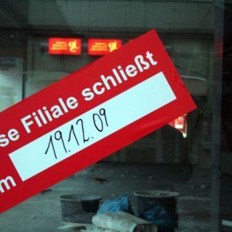 """""""Quelle"""" in der Theaterstraße hat im Dezember 2009 in Würzburg geschlossen."""