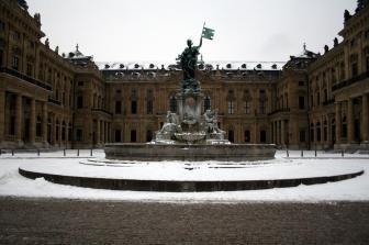 Residenz mit Frankoniabrunnen