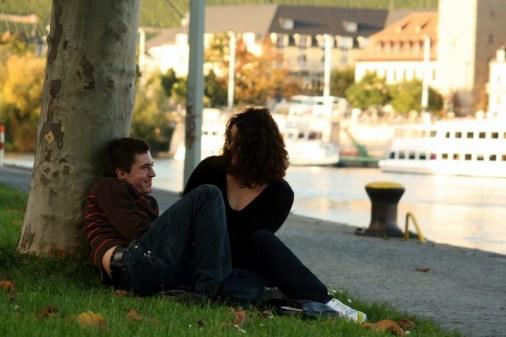 Liebespaar am Mainufer (danke für die Fotogenehmigung)