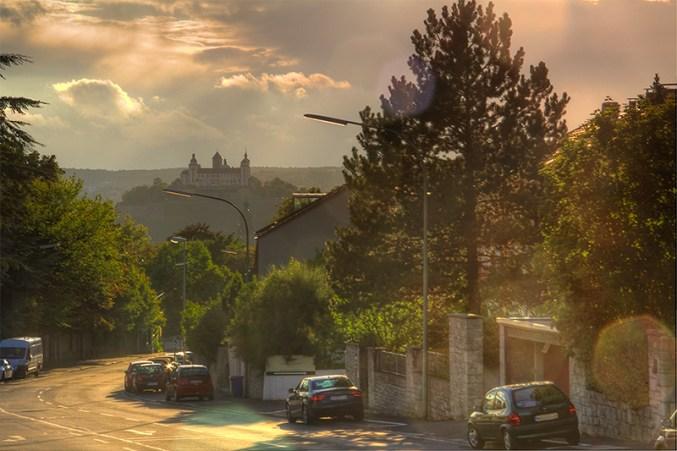 Blick von der Rottendorfer Straße an einem schönen Sonntag Nachmittag.