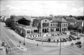 Der alte Hauptbahnhof in der Theaterstraße im Jahr 1958.