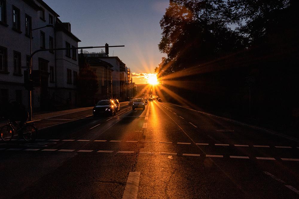 Sonnenuntergang im Herbst in Würzburg.