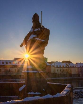 Morgens um 8 auf der Alten Mainbrücke in Würzburg. Immer wieder atemberaubend!