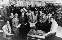 I fondatori di Repubblica con una copia del numero zero, 1976