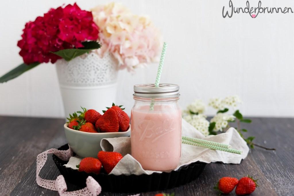 Erdbeer-Mango-Lassi - Wunderbrunnen - Foodblog - Fotografie