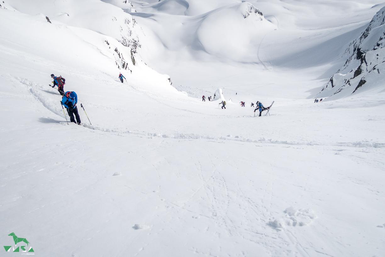 Ziemlich steile Scharte - Skitouren Sellrain.