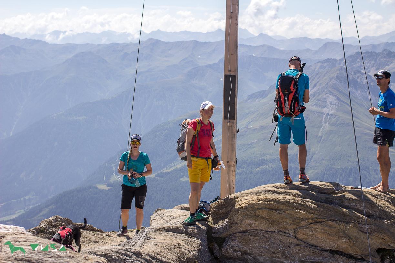 Gipfel Vorderer Sajatkopf (2915m)