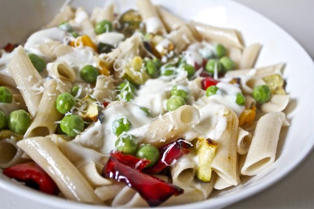 Popped pea, roasted vegetable, pasta, gluten free, lemon, yoghurt, sauce, easy, gluten free recipe, uk, blog