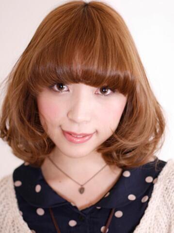 夏日百搭亞麻色頭髮 時尚大氣更吸晴_女生髮型_2020髮型網