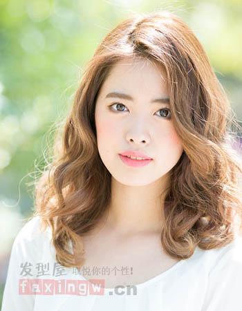 日系燙髮髮型設計 清新嫵媚很迷人_女生髮型_髮型網_2020髮型網