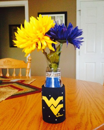Shalee's wedding attendants will carry a WV-themed bouquet like this
