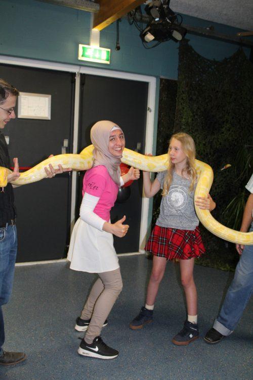 Slangen bij meidenavond in ReZet