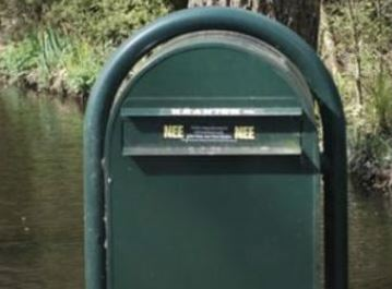 Door komst NEE/NEE sticker,voor tegengaan papierverspilling, geen verspreiding nieuwsvoorziening