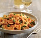 Weight Watchers Farfalle with Peas and Tomato-Goat Cheese Cream Sauce Recipe