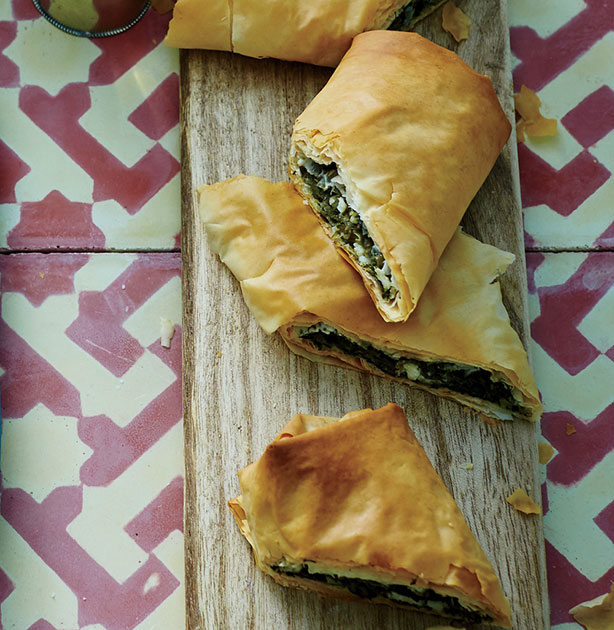 WeightWatchers Spinach, Herb & Cheese Phyllo Rolls Recipe