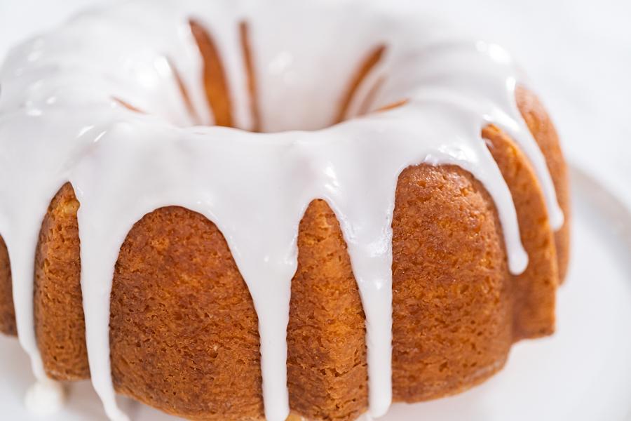 Vanilla Glaze for Bundt Cake