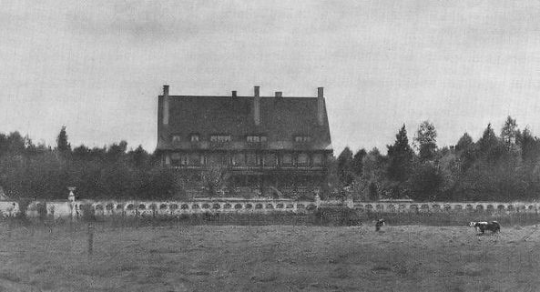 Zonnebeke Chateau in the 1930s