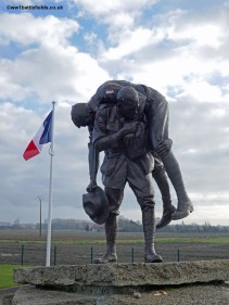 """The """"Cobbers"""" statue, Fromelles"""