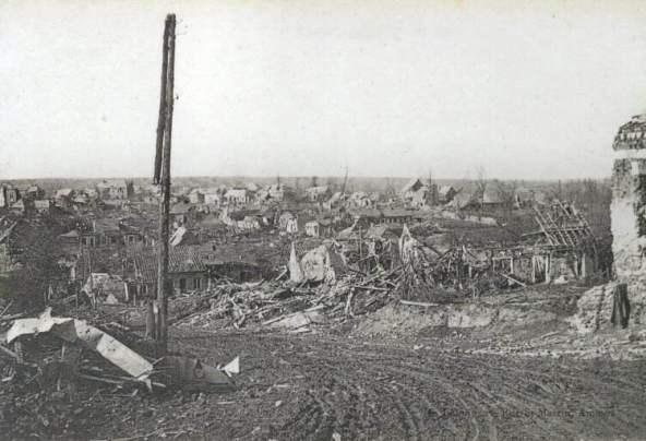 The ruins of Combles. Photo: Vise Paris