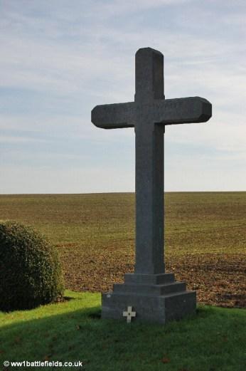 Memorial to Lieutenant Val Braithwaite, by Serre Road No. 2 Cemetery