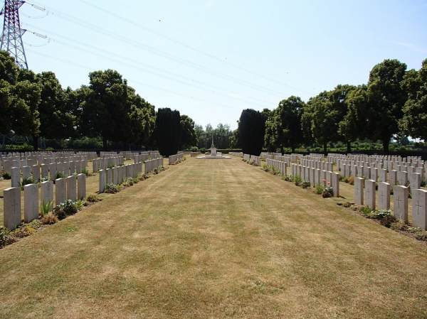 Brown's Copse Cemetery, Pas de Calais, France