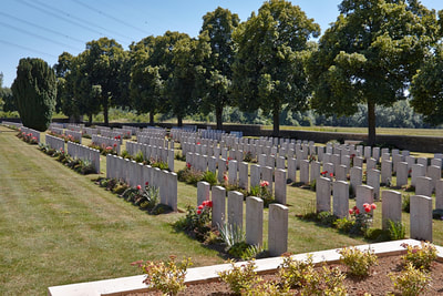 Brown's Copse Cemetery, Pas de Calais, France - WW1 ...