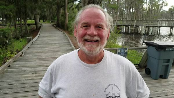 Movie: Tom Cramer and his wife Barb are the volunteers at Banks Lake Outdoors (26M)