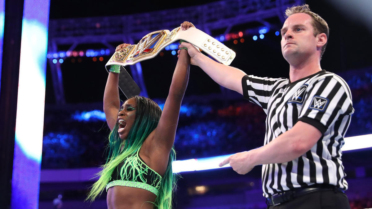 Naomi reclaims the SmackDown Women's Championship.