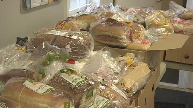 Big Y Donates Thousands Of Bags Of Food To Lorraine S