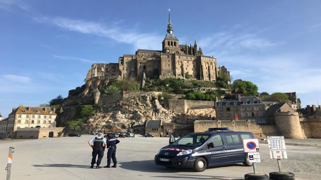 France Tourist Evacuation_1524397150927