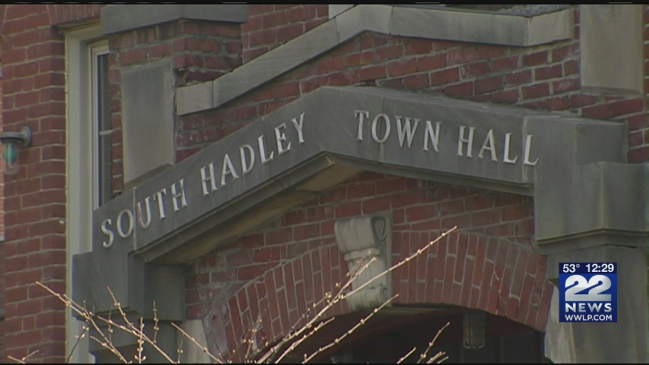 South_Hadley_residents_vote_to_ban_pot_s_0_20180412183519