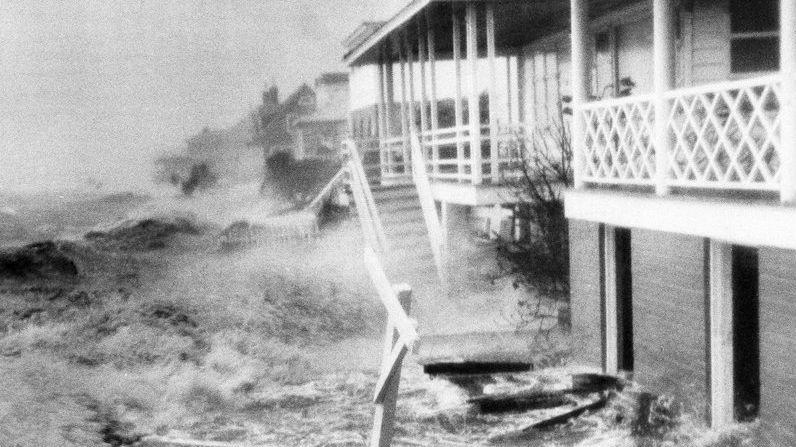hurricane 1954 ncarolina_1536693903008.jpg.jpg