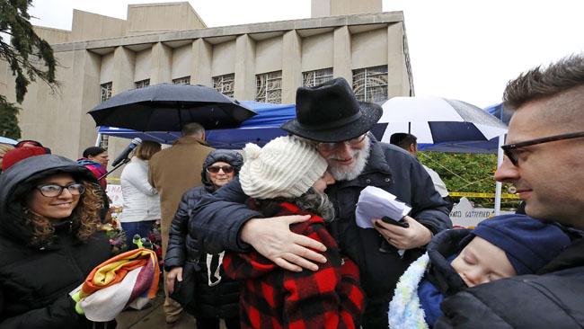 APTOPIX Shooting Synagogue_1541267614938