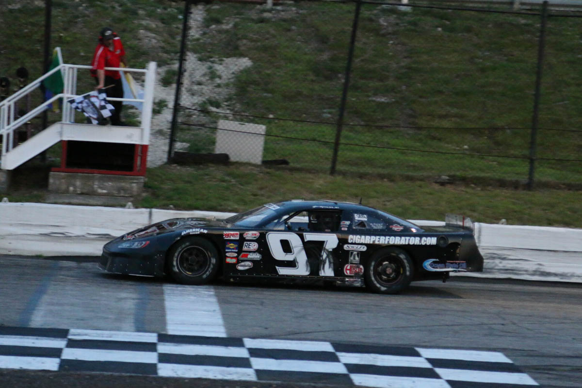 Hometown Driver Joey Polewarczyk Jr Takes Down Gspss Race At Hudson