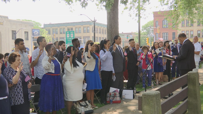 53 immigrants become American citizens in Northampton on July 4 | WWLP