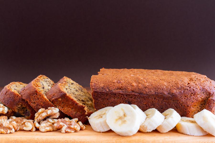 Simple Banana Bread with Walnuts