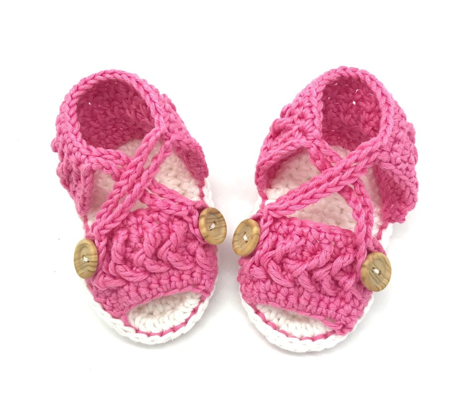 0bf9bb4f5ae65 crochet baby sandals made in 100% cotton from a pattern in Love ...