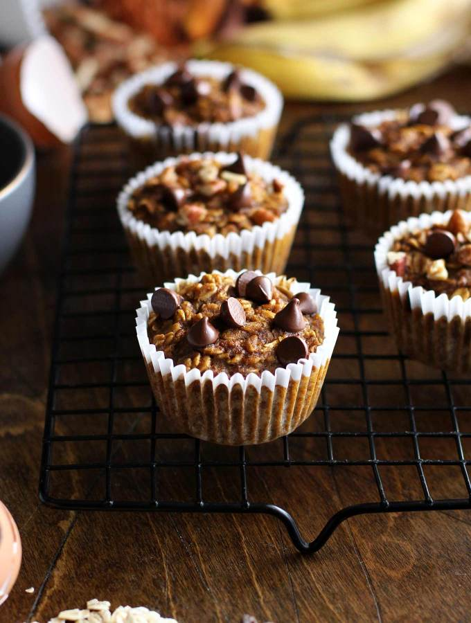 Pumpkin Spice Oat Cups with Chocolate Chips - Healthy, gluten-free, and refined sugar free! The perfect fall recipe.
