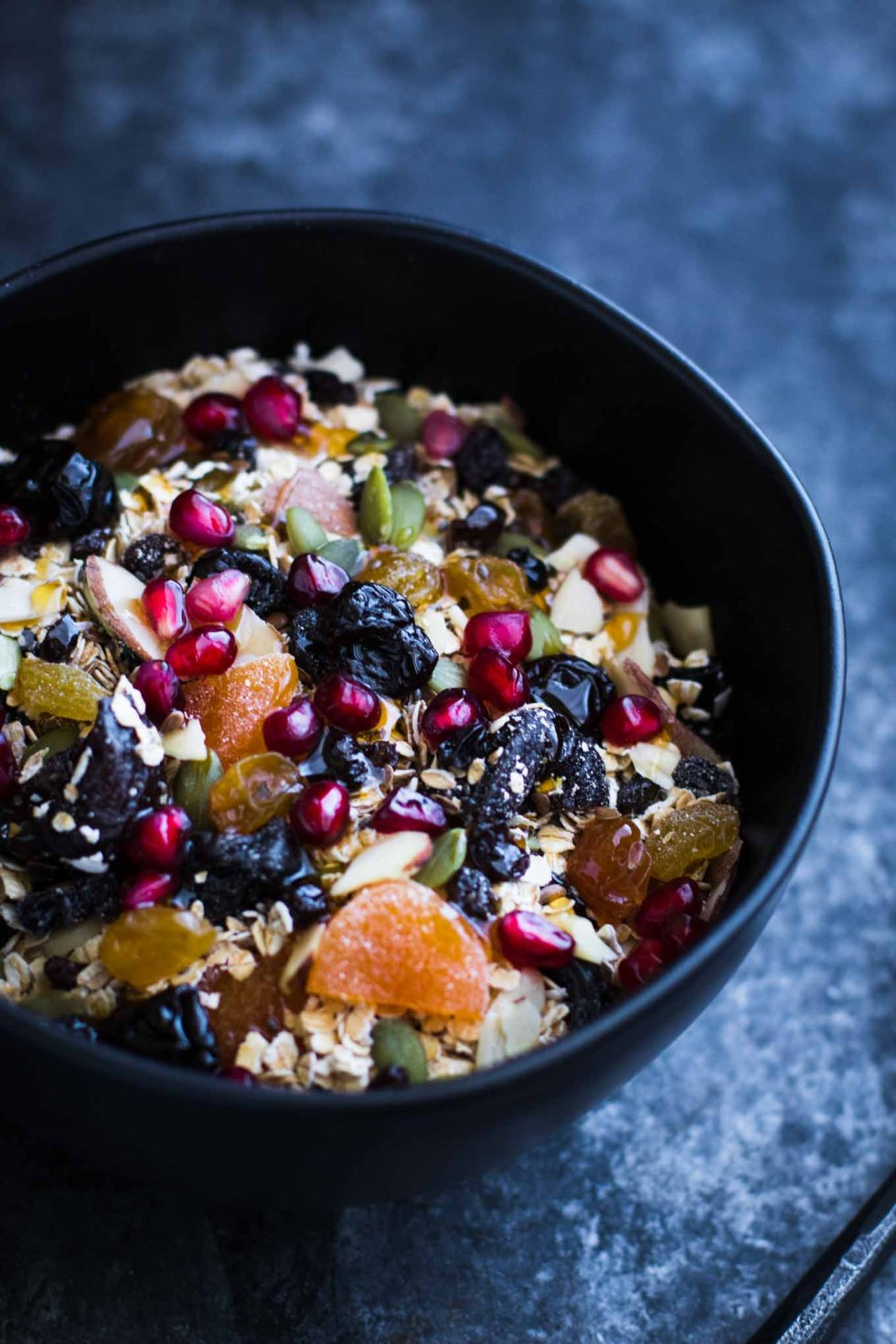 Homemade muesli filled with superfoods! This healthy breakfast is stuffed full of antioxidants, omegas