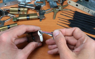 4 reasons for calling a locksmith