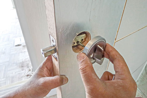4 reasons to change your locks